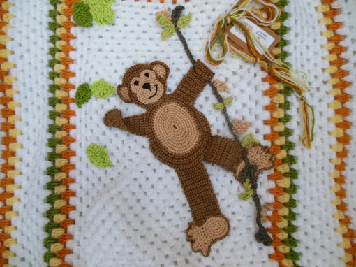 monkey-crochet-baby-blanket