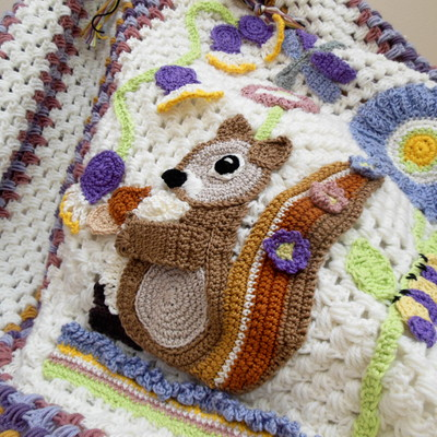 squirrel-blanket-crochet-baby-blanket