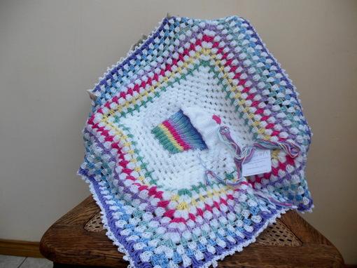 baby-blanket-rainbow-cupcake-crochet-baby-blanket