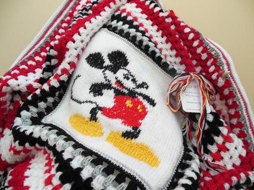 mickey- mouse- blanket- crochet-baby- blanket 003