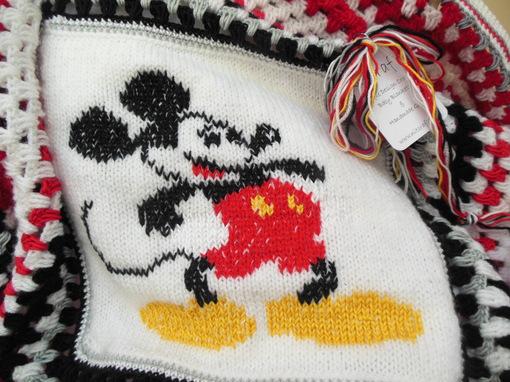 mickey-mouse-blanket-crochet-baby-blanket