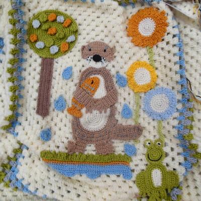 handmade-baby-blanket-crochet-otter-frog-fish-flowers-design